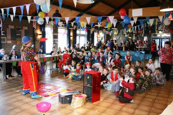 Clown Kiko's jongleershow in Doornenburg